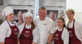 Warsztaty z mistrzami sztuki kulinarnej w ZSCKR w Sejnach