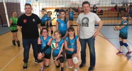 Młode siatkarki SAS zagrają w finale dwójek Kinder+Sport