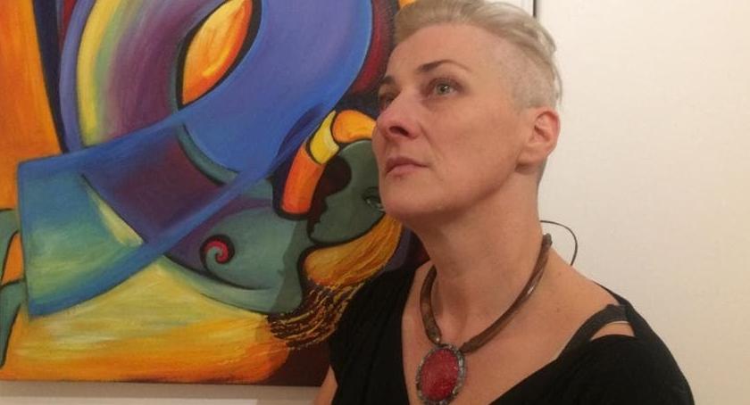 Ludmiła Riabkowa i Bramy Nieba. Artystka ze Szklarskiej Poręby na wystawie w Londynie.