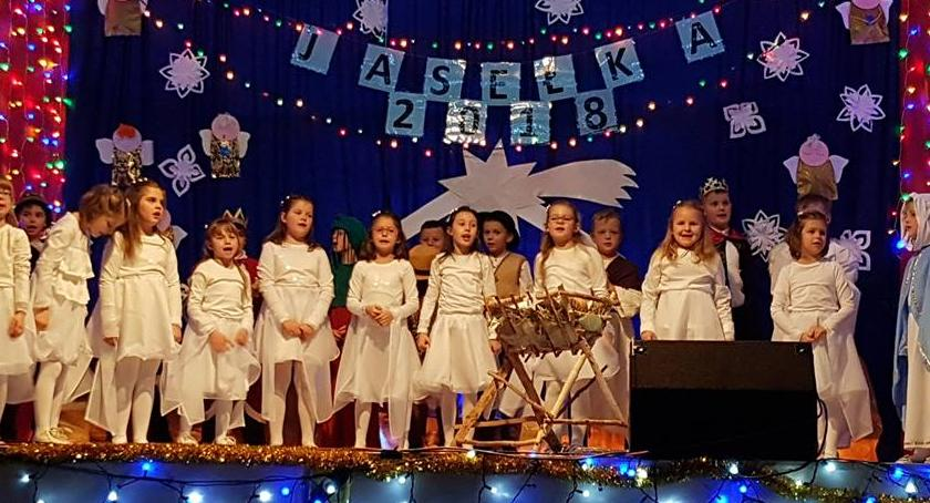 imprezy dla dzieci, Kiermasz świąteczny jedynce - zdjęcie, fotografia
