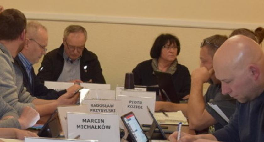 Sesje Rady, Protest grupy radnych oświadczenie przewodniczącej - zdjęcie, fotografia