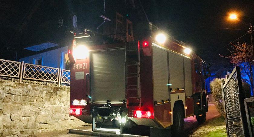 Interwencja straży pożarnej na ulicy Hutniczej