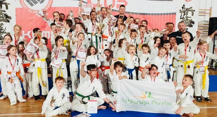 kluby sportowe, Białe trenują Szklarskiej Porębie - zdjęcie, fotografia