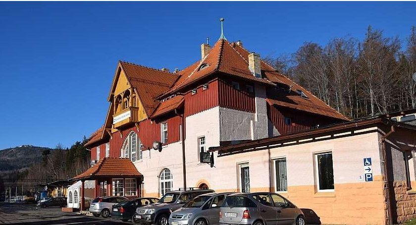 Inwestycje, Cztery oferty przebudowę dworca kolejowego Szklarska Poręba Górna Wszystkie przekraczają zakładany budżet - zdjęcie, fotografia