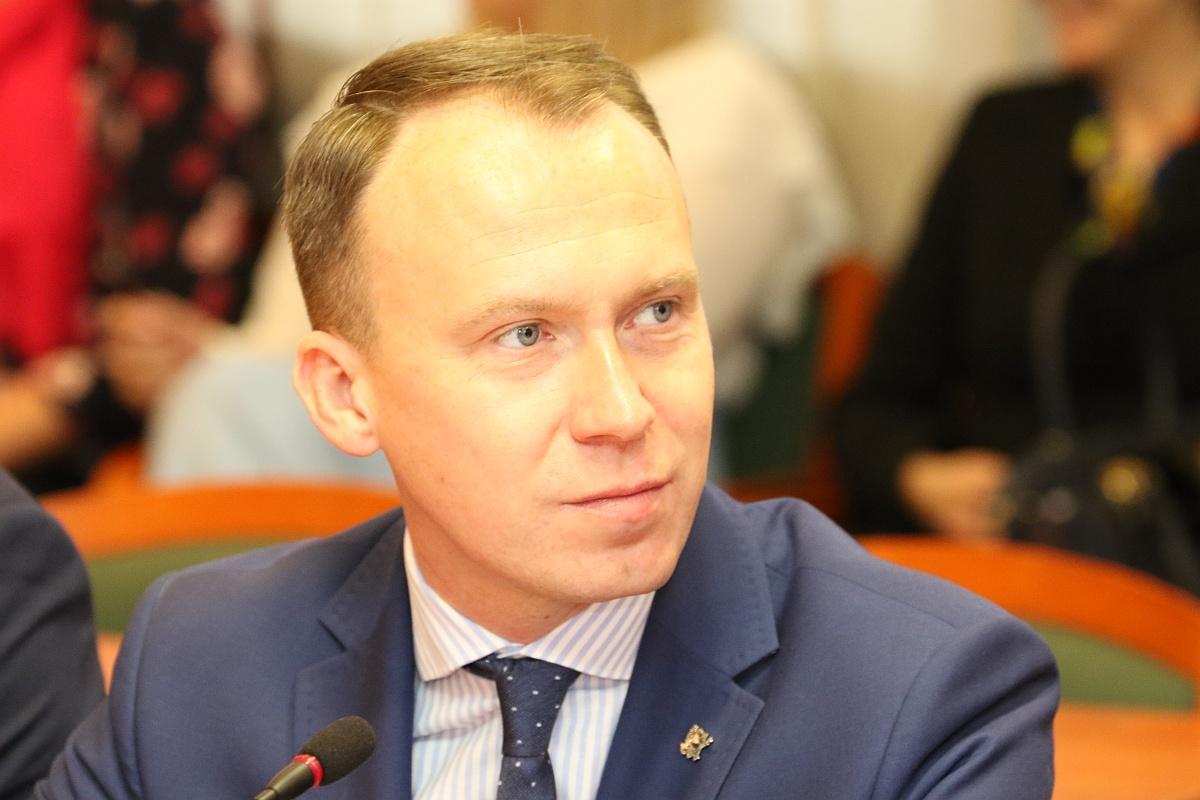 Samorząd, Radny Kupaj Legnica postawiła podziemne śmietniki - zdjęcie, fotografia