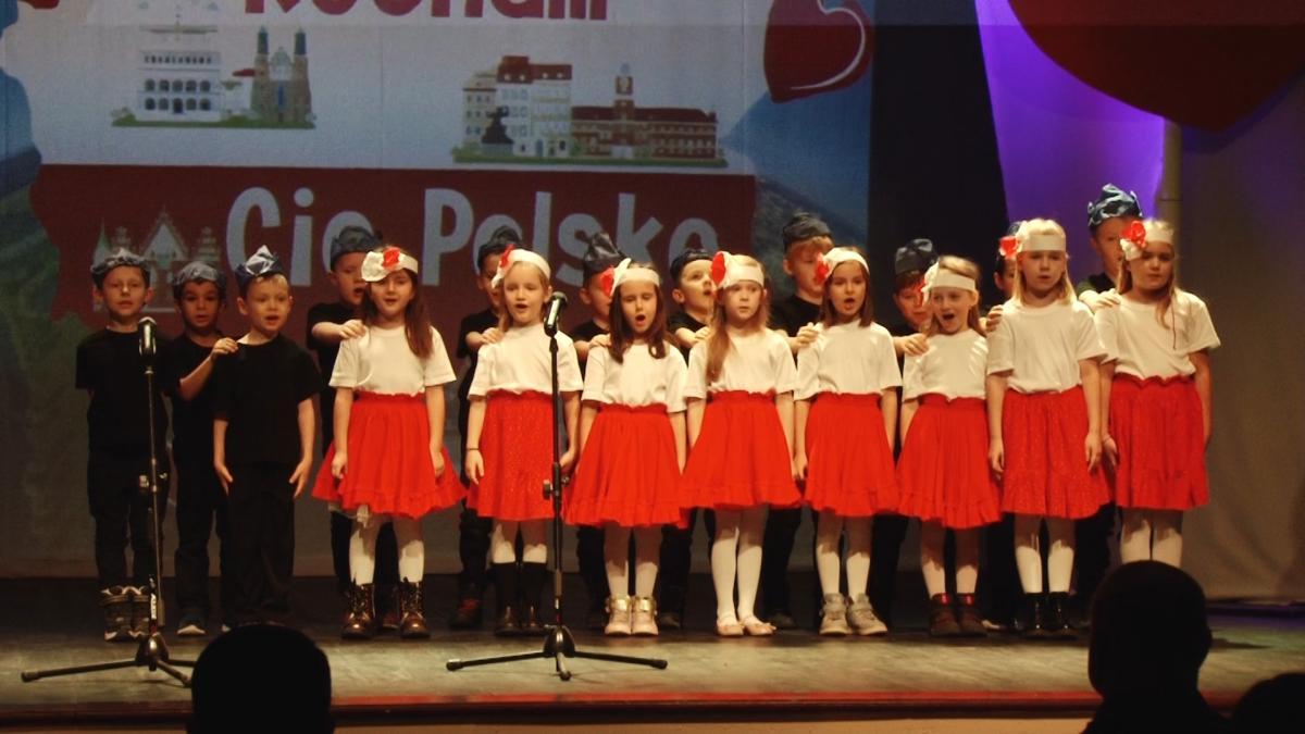 Wydarzenia, Przedszkolaki dały koncert Niepodległej - zdjęcie, fotografia