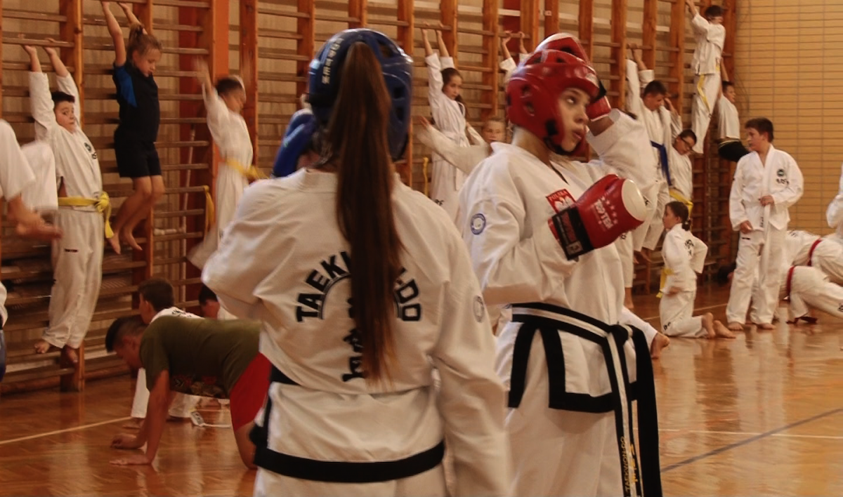 Wydarzenia, Przedstawiciele Legnickiego Klubu Taekwondo jadą Australii Rumunii - zdjęcie, fotografia