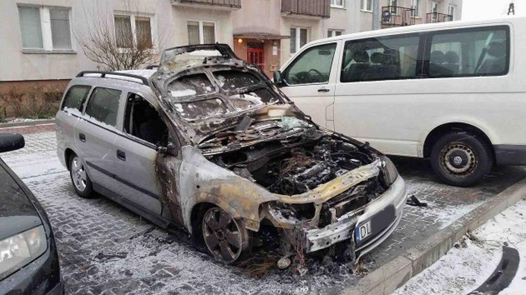 Interwencje straży i pożary, Pożar samochodu Rzeczypospolitej - zdjęcie, fotografia