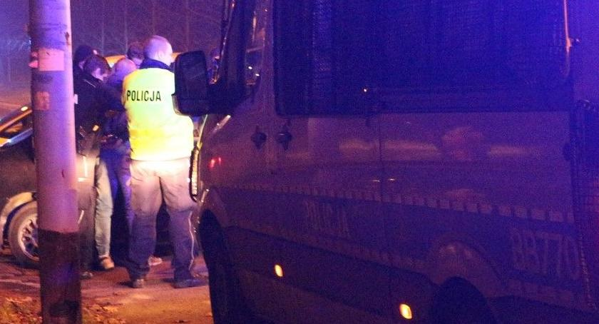 Sprawy kryminalne, Jeden miał narkotyki drugi szarpał policjantami - zdjęcie, fotografia