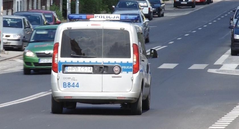 Sprawy kryminalne, Ukradł sklepie oliwę skarpetki ochroniarzowi groził śmiercią - zdjęcie, fotografia