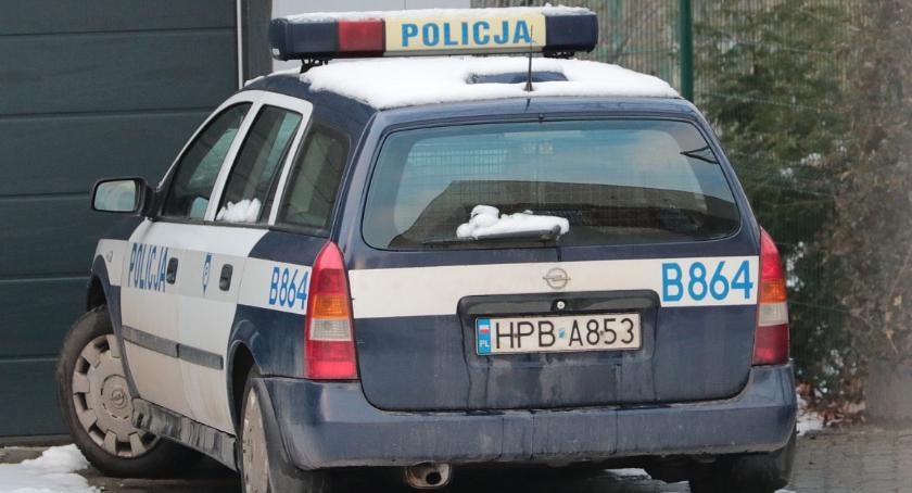 Sprawy kryminalne, Niefart pasażera Peugeota odsiadki marihuanę kieszeni - zdjęcie, fotografia