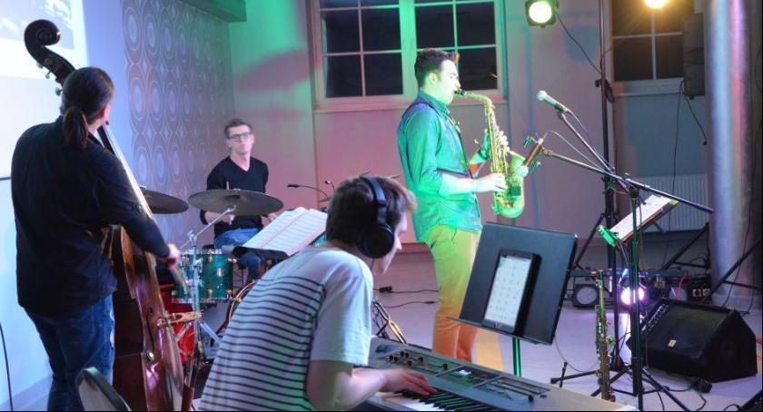 Muzyka Koncerty, Koncertowa lekcja historii jazzu legnickim akademiku - zdjęcie, fotografia