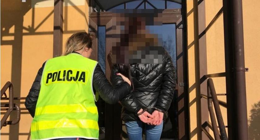 Komunikaty Policji, Złodziejka zatrzymana gorącym uczynku przez pracowników sklepu - zdjęcie, fotografia