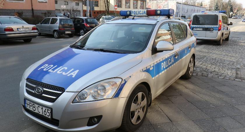 Komunikaty Policji, Policjanci kazali kierowcom dmuchać sprawdzali Wielu pojechało dalej - zdjęcie, fotografia