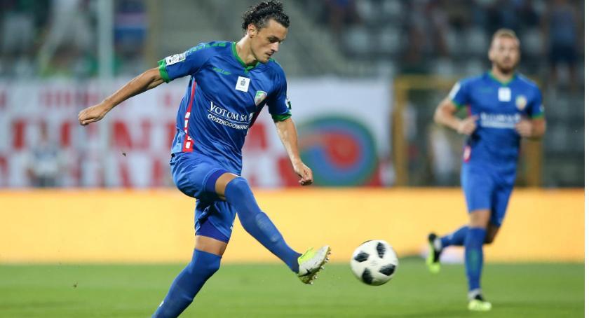 Piłka nożna, Obrona Miedzi prosi remont Monteiro Lechem zagra - zdjęcie, fotografia