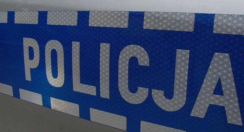 Komunikaty Policji, Pijany latek wylądował areszcie jazdę samochodem pijaku - zdjęcie, fotografia