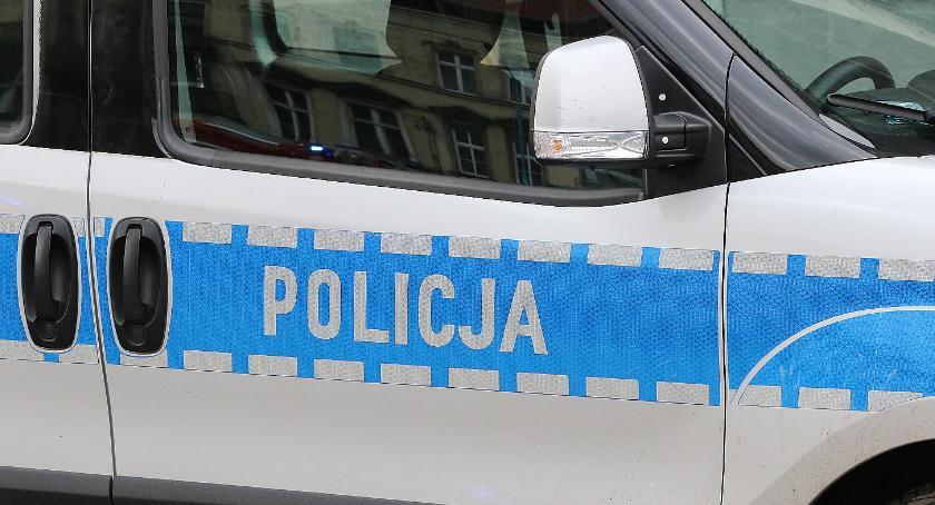 Komunikaty Policji, Uciekał przed policją pijany przekroczył dozwoloną prędkość - zdjęcie, fotografia