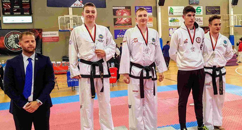 Sztuki Walki, Katalońskie medale taekwondoków Legnica - zdjęcie, fotografia