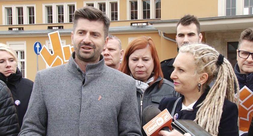 Wydarzenia, Jedynka Biedronia Legnicy Wiosna przedstawiła hasło program - zdjęcie, fotografia