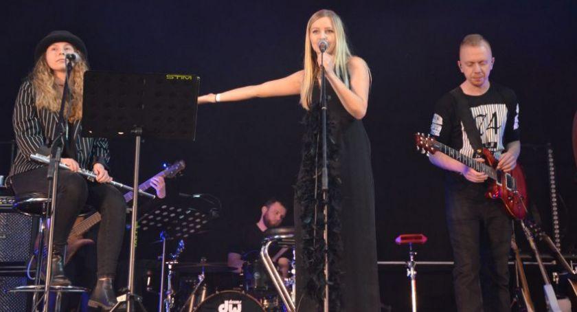 Muzyka Koncerty, Rocka porwały legnicką publiczność - zdjęcie, fotografia