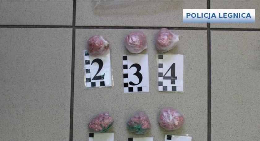 Komunikaty Policji, Poszukiwany Europejskim Nakazem Aresztowania zatrzymany Legnicy - zdjęcie, fotografia