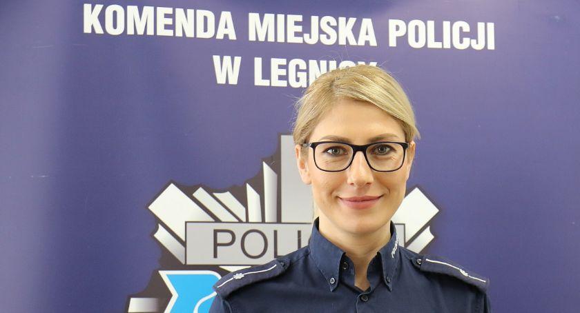 Komunikaty Policji, Porozmawiajcie babcią dziadkiem świątecznym stole oszustach - zdjęcie, fotografia
