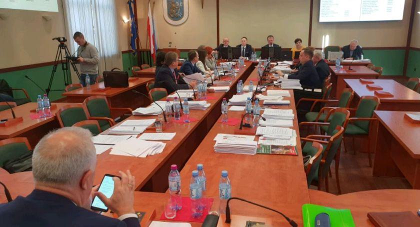 Samorząd, Którzy radni ciekawi którzy mają prezydenta żadnych pytań - zdjęcie, fotografia