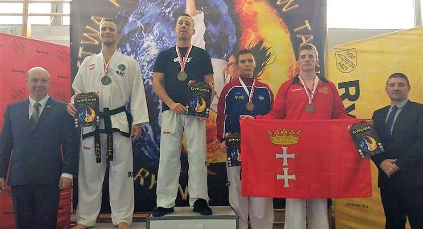 Sztuki Walki, Osiem medali legniczan mistrzostwach Polski seniorów taekwon - zdjęcie, fotografia