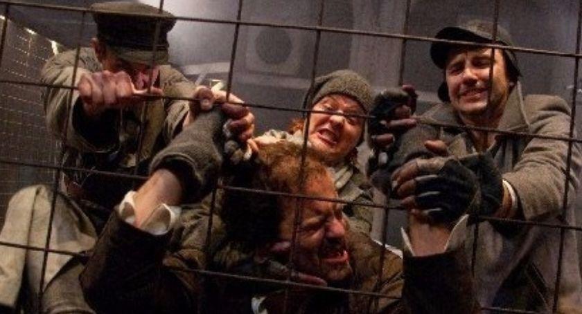 """Teatr Modrzejewskiej, legnicką scenę teatralną powraca """"Czas terroru"""" Lecha Raczaka - zdjęcie, fotografia"""