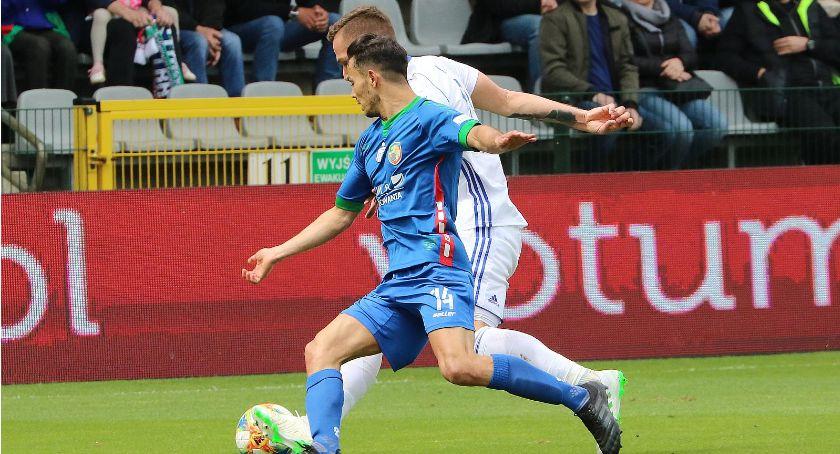 Piłka nożna, Sparingpartnerzy komplecie Miedź zagra Błękitnymi Mieszkiem - zdjęcie, fotografia