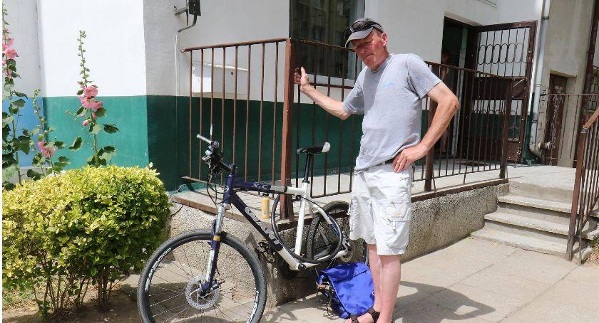 Wydarzenia, Szczęśliwy finał historii człowieka który stracił rower ratując ofiary wypadku - zdjęcie, fotografia