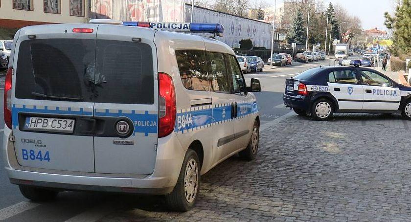 Komunikaty Policji, Policyjna akcja skierowana przeciwko pijanym kierowcom - zdjęcie, fotografia