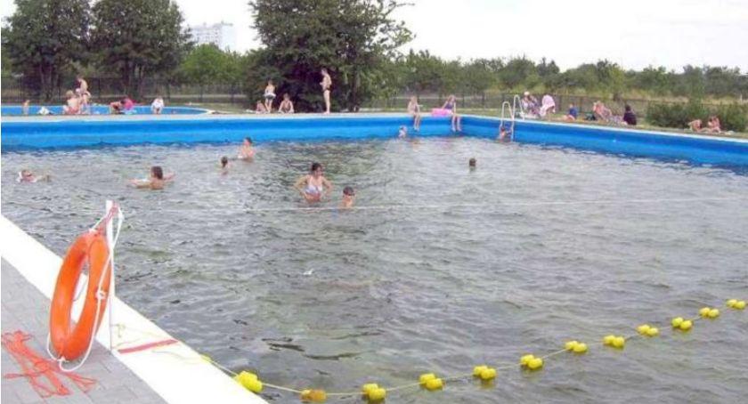 Wydarzenia, basenie Radosnej sanepid znalazł bakterię - zdjęcie, fotografia
