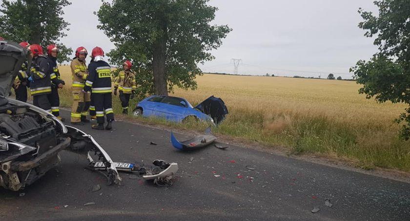 Wypadki drogowe, Zderzenie dwóch samochodów drodze Legnicy Złotoryi [ZDJĘCIA] - zdjęcie, fotografia