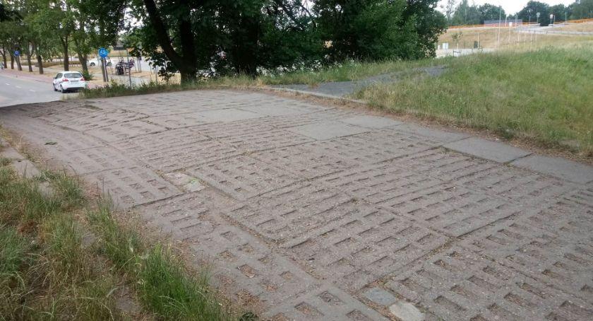 Wydarzenia, sprawie problemu wejściem legnickiego parku - zdjęcie, fotografia