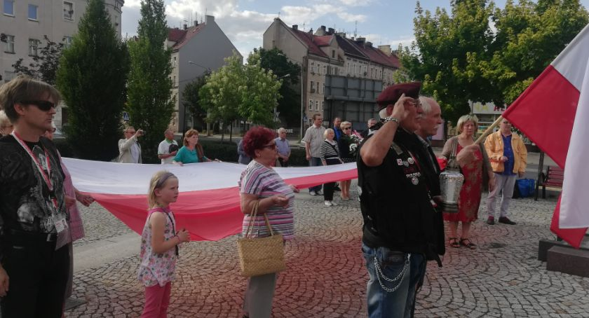 Wydarzenia, Uczcili pamięć Polakach zabitych przez ukraińskich zbrodniarzy - zdjęcie, fotografia