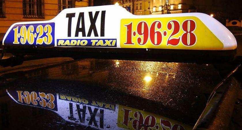 Wydarzenia, Taksówkarska korporacja Legnicy prestiżowym wyróżnieniem - zdjęcie, fotografia