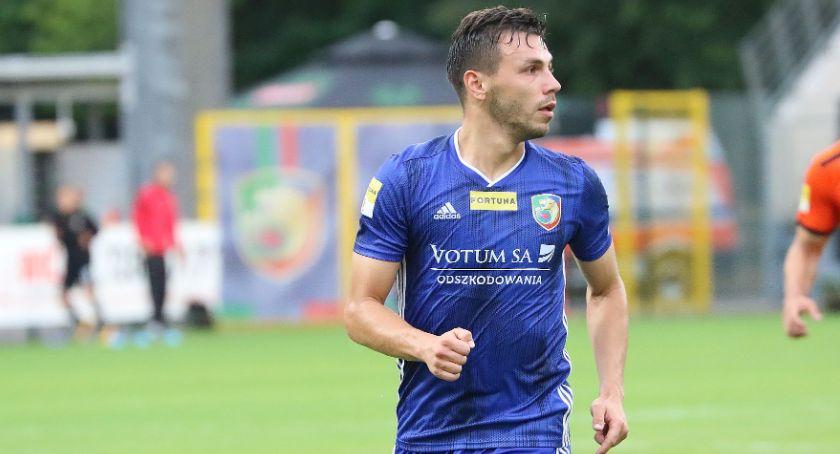 Piłka nożna, Danielewicz wraca stare śmieci Miedź zagra Chojnicach - zdjęcie, fotografia