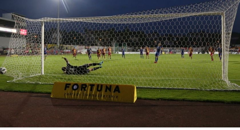 Piłka nożna, Demonstracja siły Miedź spuściła Chojniczance niezłe manto - zdjęcie, fotografia