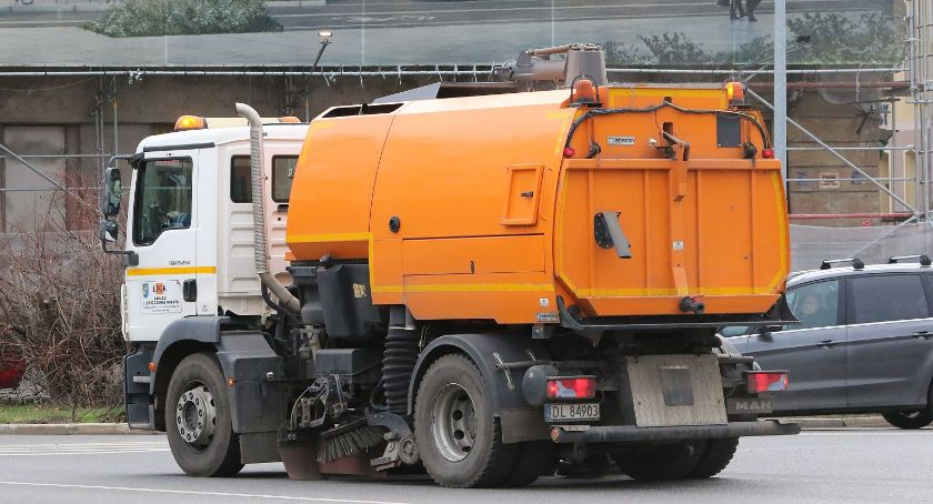 Wydarzenia, Komunalna spółka odzyskała zlecenie sprzątanie miasta - zdjęcie, fotografia