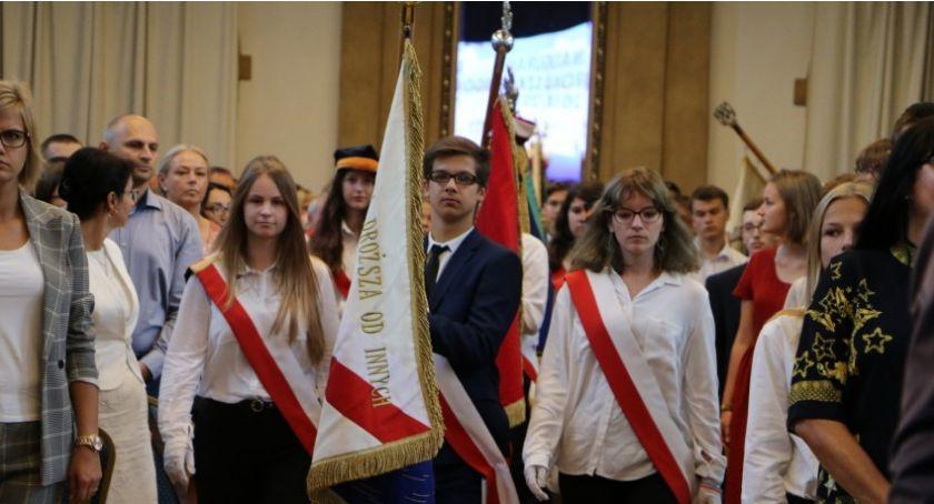 Wydarzenia, Koniec laby! poniedziałek inauguracja szkolnego 2019/2020 - zdjęcie, fotografia