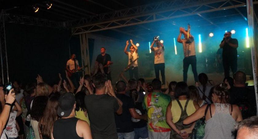 Muzyka Koncerty, Festiwal reggae kunickim jeziorem rozbujał publikę [FOTO] - zdjęcie, fotografia