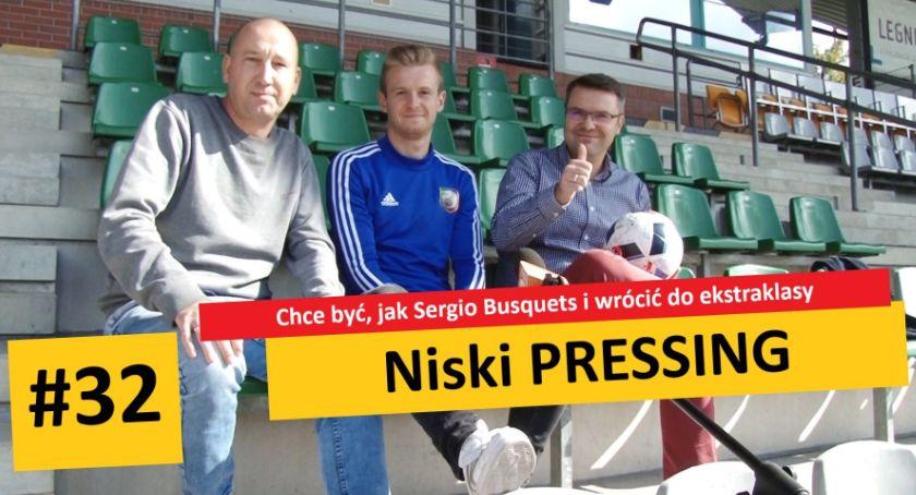 Piłka nożna, Niski Pressing#32 Busquets wrócić ekstraklasy - zdjęcie, fotografia