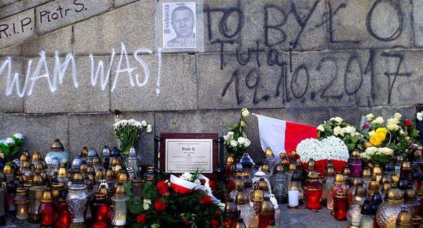 Wydarzenia, Legnica sobotę hołd Szaremu Człowiekowi Piotrowi Szczęsnemu - zdjęcie, fotografia