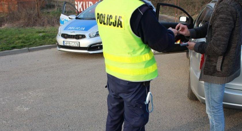Sprawy kryminalne, Pirat drogowy pięcioma zakazami złapany przez legnicką policję - zdjęcie, fotografia