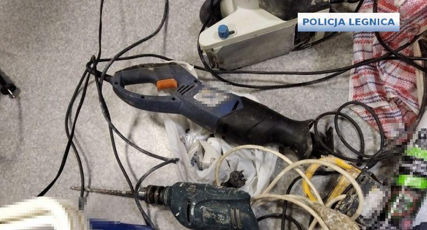 Sprawy kryminalne, Policja zatrzymała letniego pasera działającego terenie Legnicy - zdjęcie, fotografia