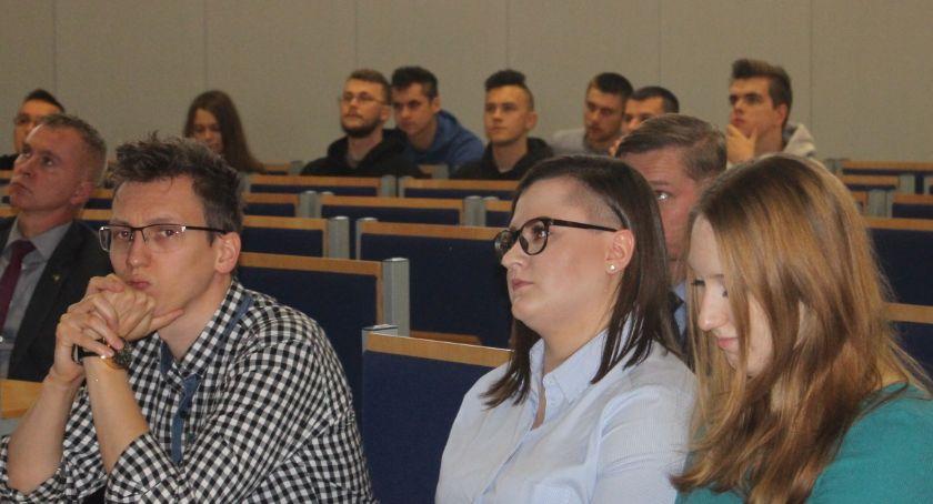 PWSZ, Praktyki nauka praca pilotażowy program legnickiej - zdjęcie, fotografia