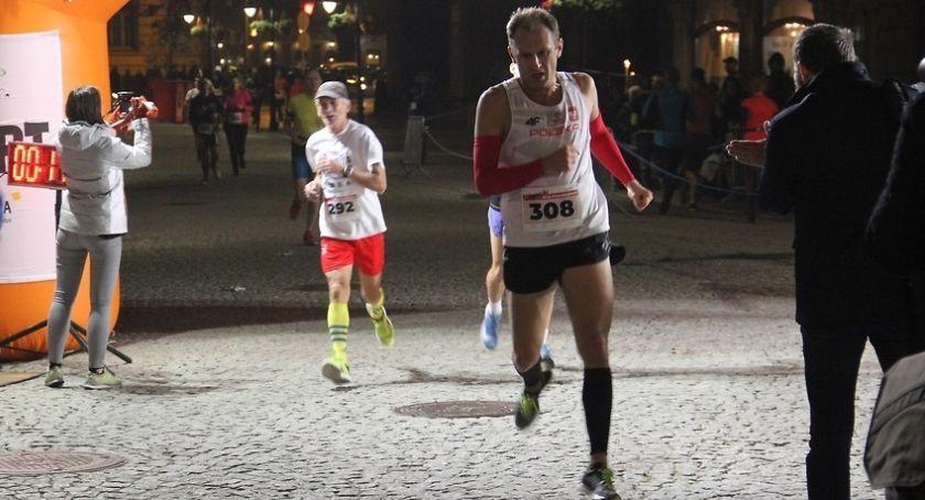 Inne sporty, piątek Niepodległości Pobiegną centrum Legnicy [TRASA] - zdjęcie, fotografia