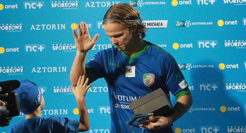 Piłka nożna, Niski Pressing Forsellem dlaczego Heredia grzeje ławę - zdjęcie, fotografia