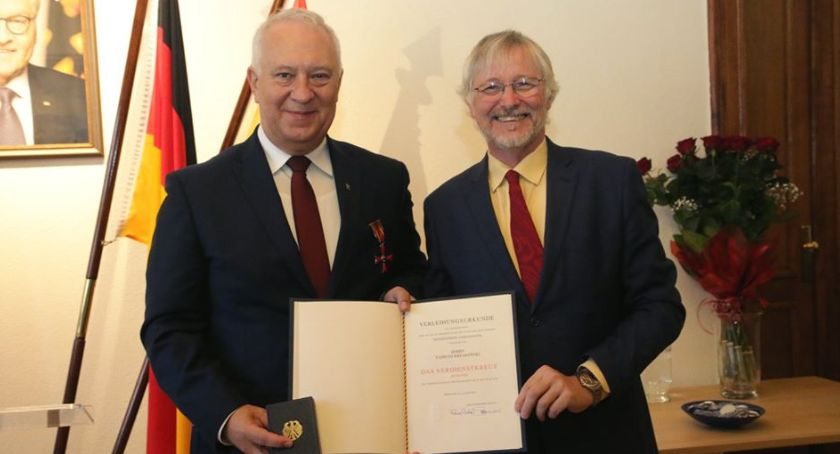 Wydarzenia, Prezydent Legnicy odznaczony przez prezydenta Republika Federalnej Niemiec - zdjęcie, fotografia